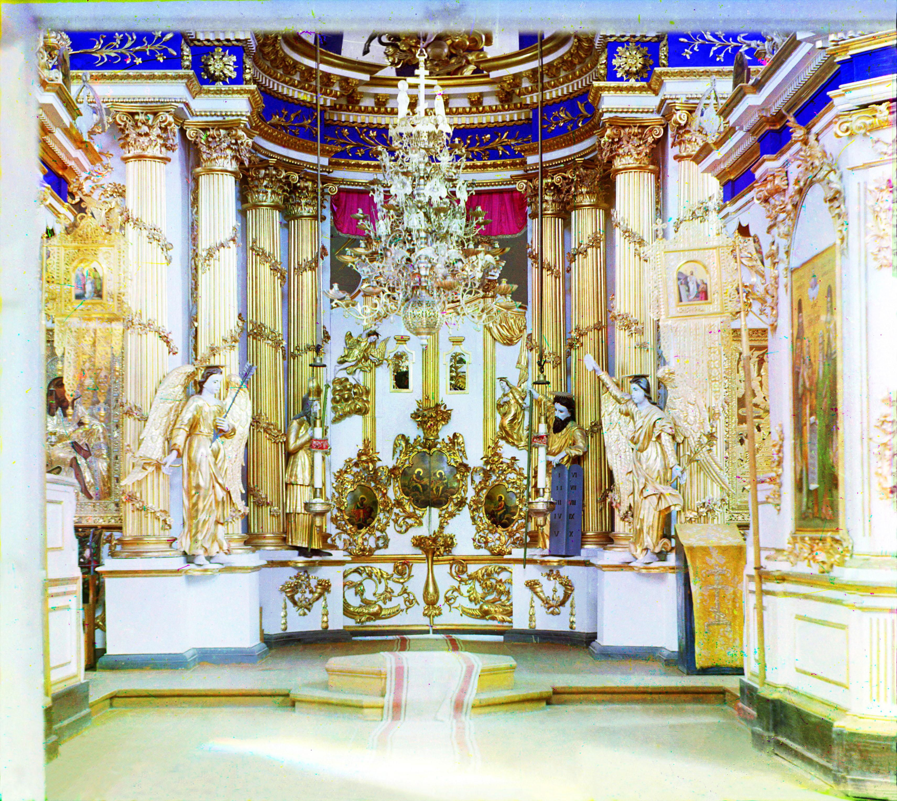 Белозерск. Иконостас в Спасо-Преображенском соборе