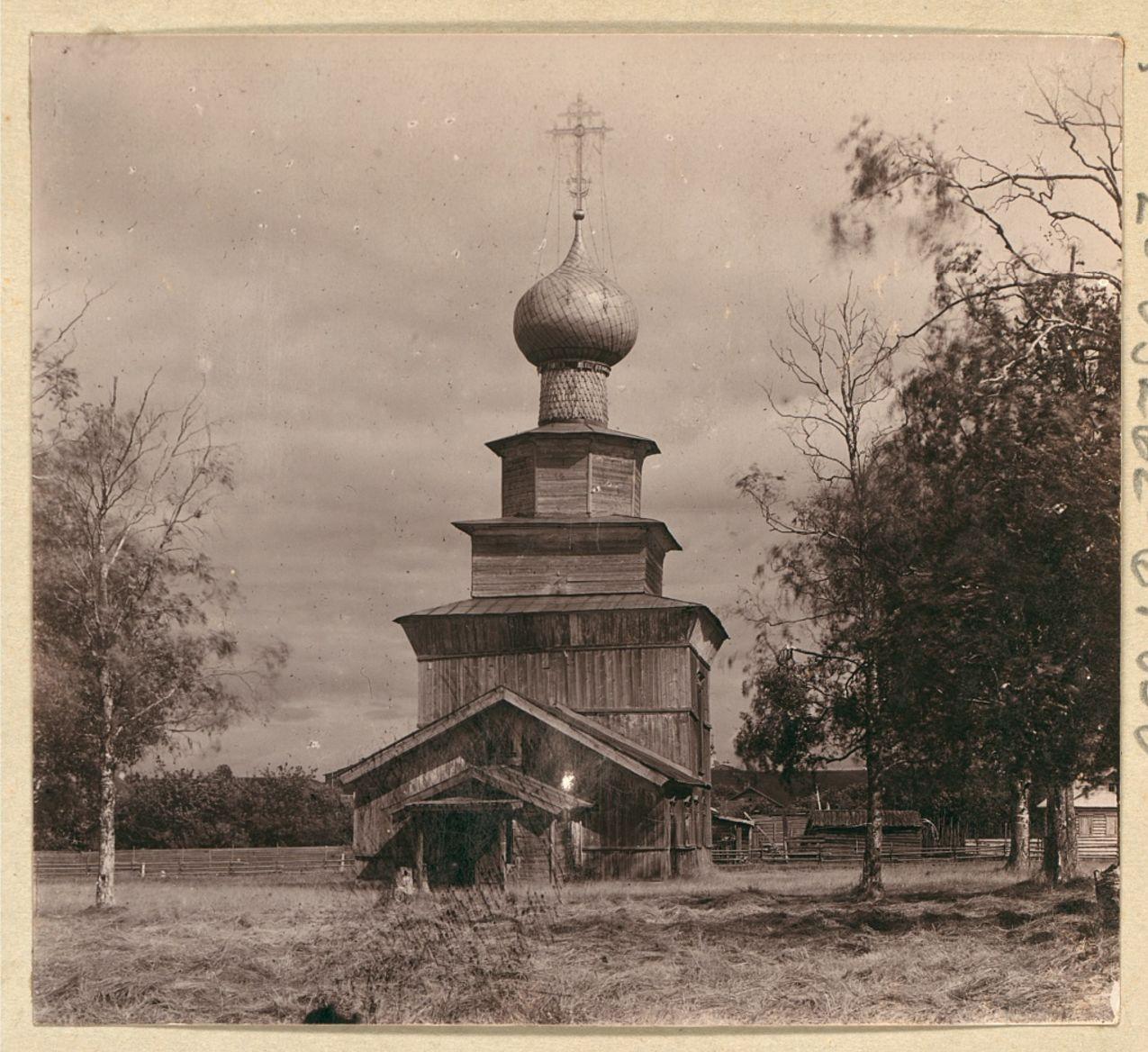 Белозерск. Старинная деревянная церковь Ильи Пророка