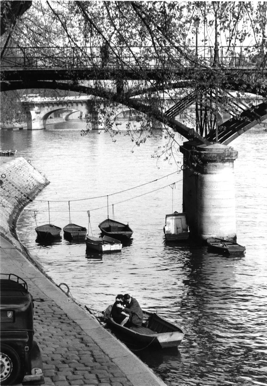 1957. Влюбленные под Мостом Искусств