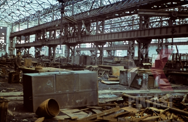 stock-photo-captured-russian-factory-krim-kretsch-1942-22nd-panzer-division-11677.jpg