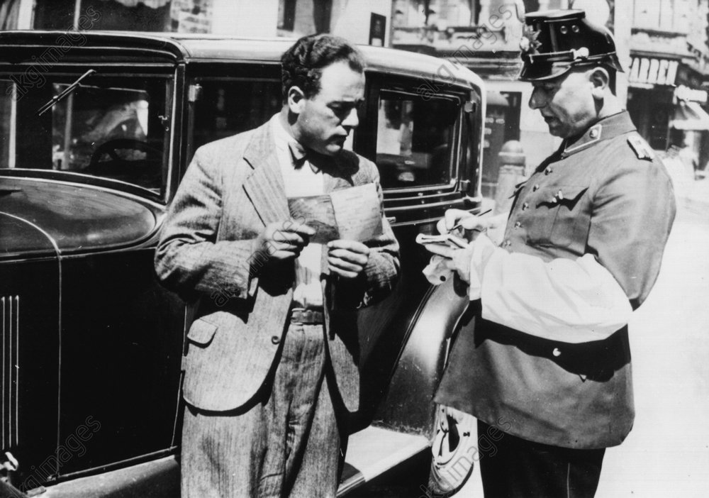 Verkehrspolizist 1934 - -