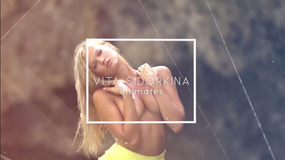 Вита Сидоркина в купальниках