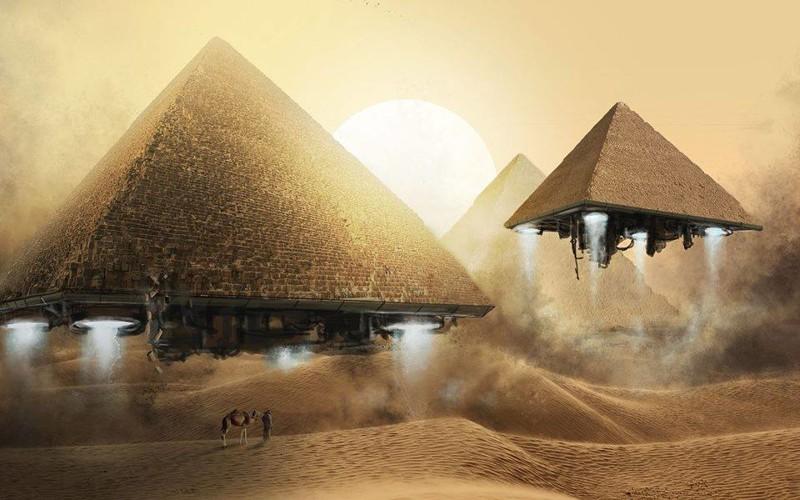 Открытки с Всемирным днём НЛО. Летящие пирамиды!