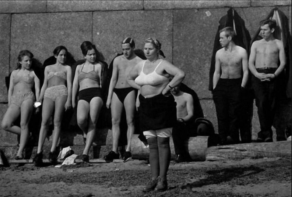 ZAVODFOTO / История городов России в фотографиях: Ленинград в 1964 году на снимках Колин Джонса