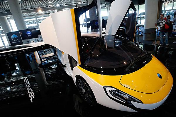 На выставке в Монако покажут летающий автомобиль