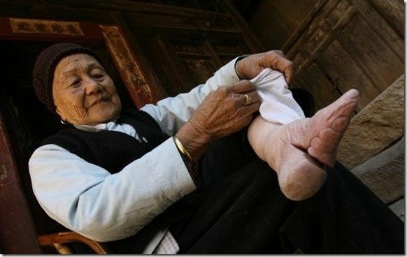 Наконец, нужно сказать и о древней китайской традиции, которая сегодня, к счастью, уже отжила св