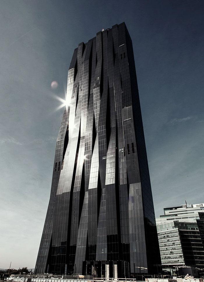 Башня Dc Tower I в Вене.