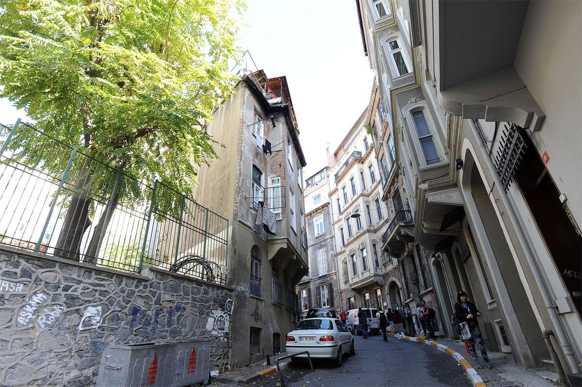 39. А на этой улице расположена очень красивая квартира, которая очень нам приглянулась, когда выбир