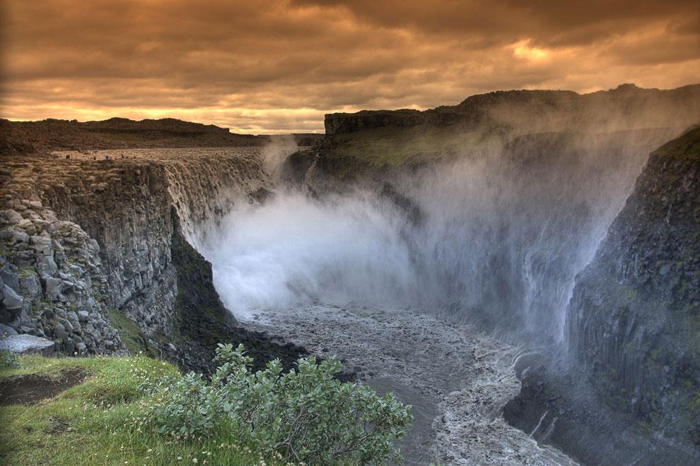 №7. Кайетур водопад, Гайана Водопад Кайетур — один из красивых водопадов в мире. Расположен Кай