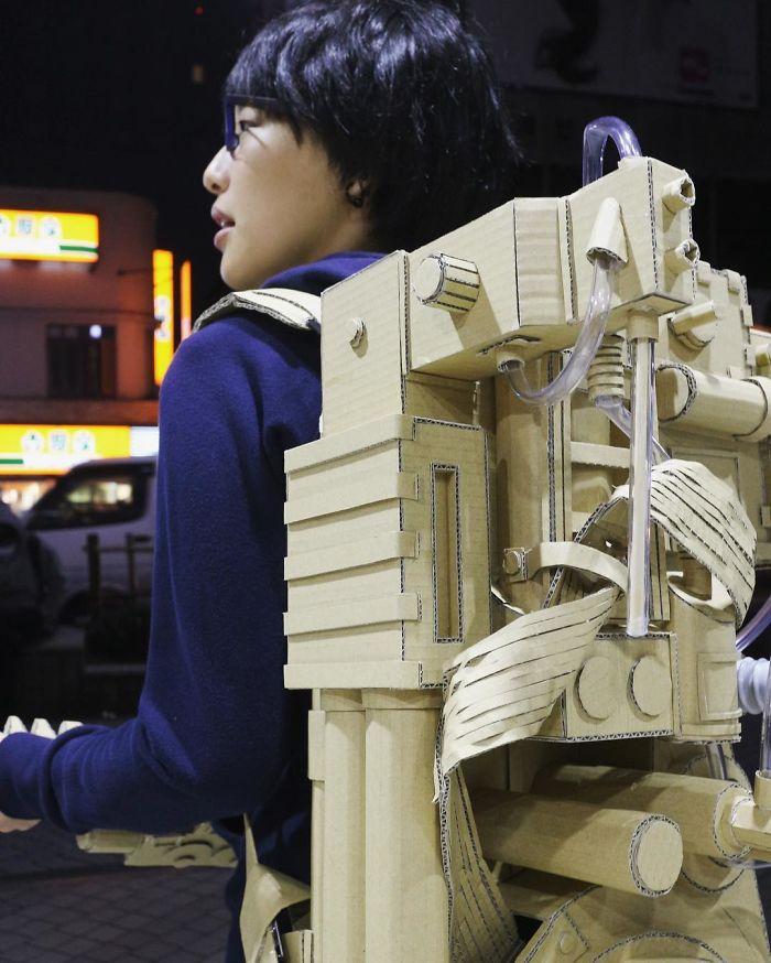 Японка никогда не выбрасывает картонные коробки: она находит им применение получше