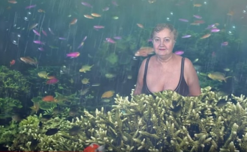 Бабуля изХакасии освоила хромакей истала звездой Youtube