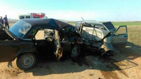 4 человека, втом числе двое детей погибли вДТП под Оренбургом