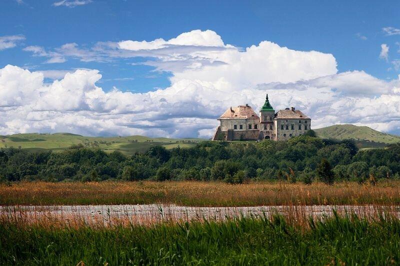 Замок (укріплене житло)