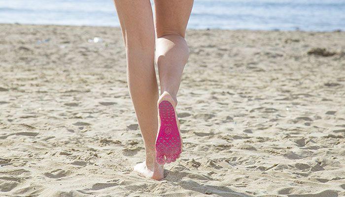 Стельки NakeFit вместо обуви для пляжа