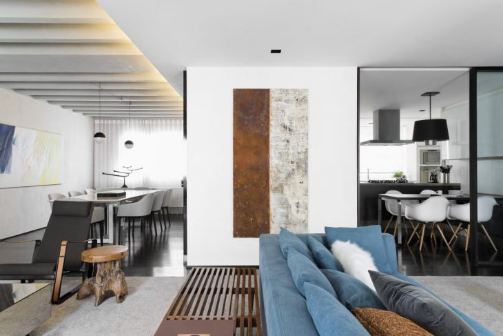 Itaim Apartment by Diego Revollo Arquitetura