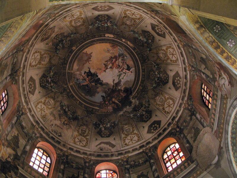 Купол базилики Сан-Витале