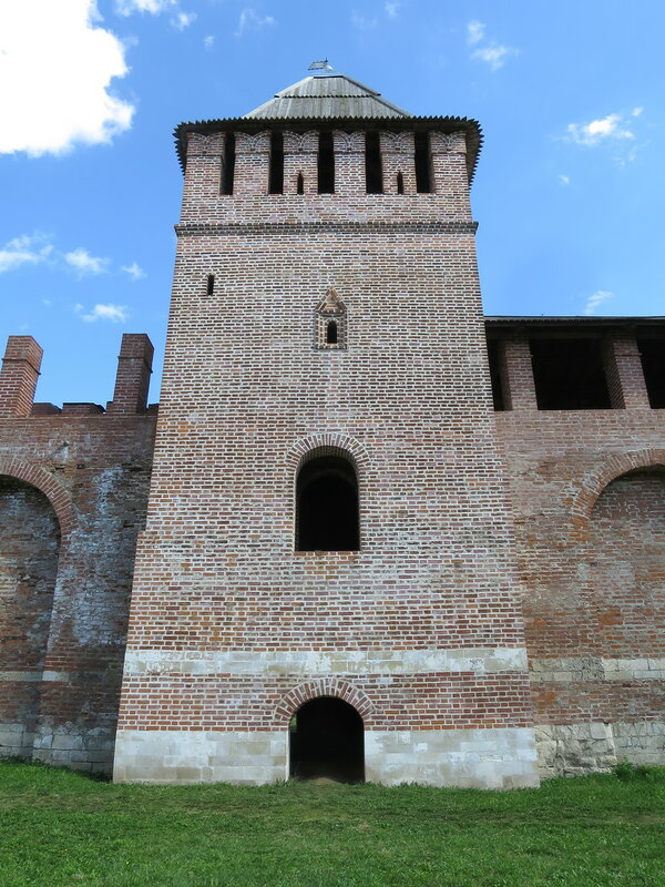 Вход в башню Зимбулка.