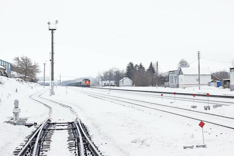 3ТЭ10МК-1215 на станции Залегощь следует в сторону Верховья, приближается
