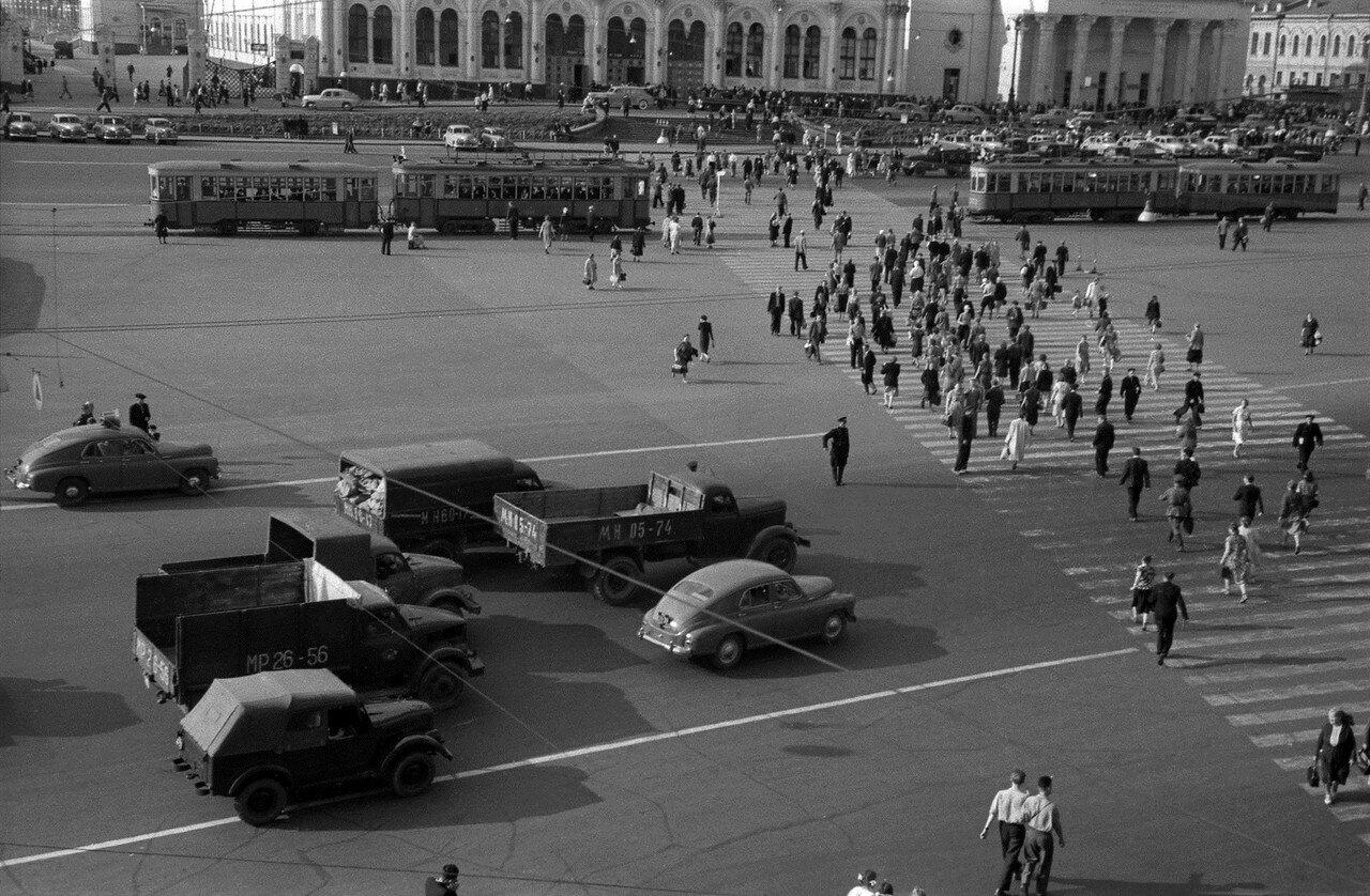 561902 Комсомольская площадь Николай Бобров 1956.jpg