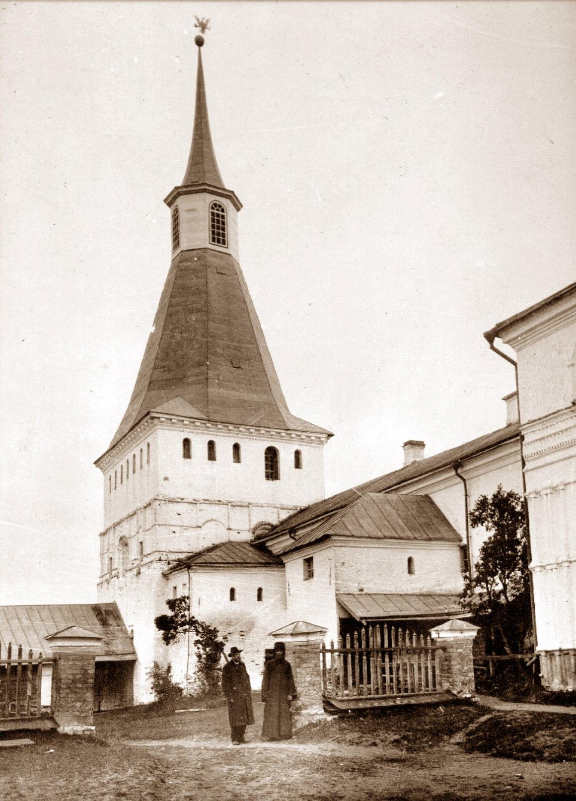 Типографская (Никоновская) башня Иверского монастыря