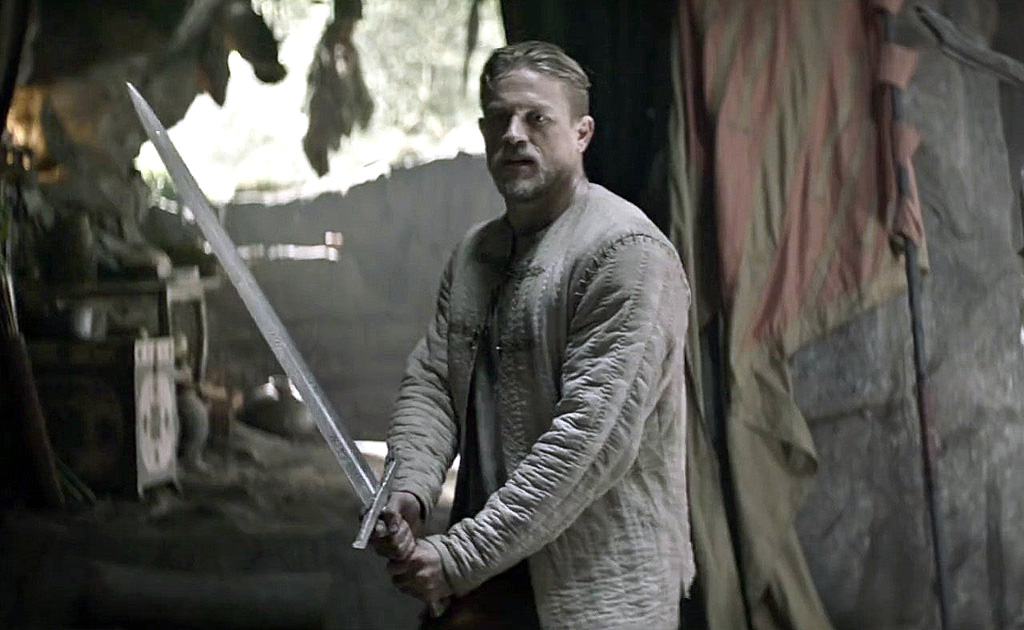 charlie-hunnam-king-arthur-legend-of-the-sword-movie-wallpap_uamd.jpg