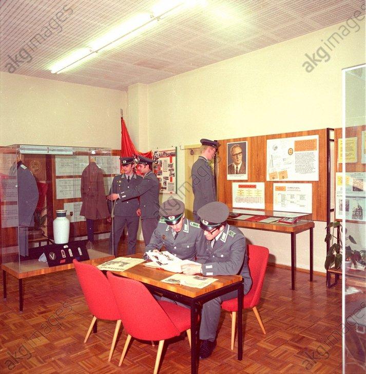 DDR-Volkspolizei/Museum / Foto 1984 - -