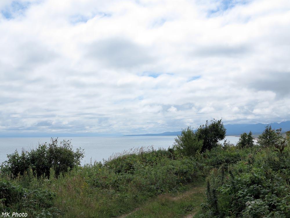 Охотское море и Долинский хребет
