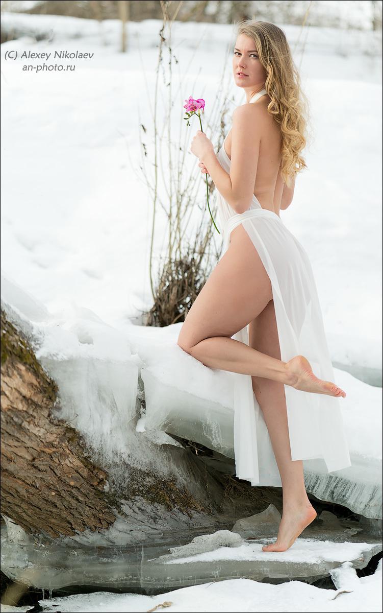 Красивое «Ню» Алексея Николаева