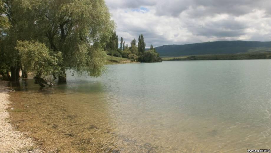 В Крыму обеспокоены за состояние дамбы на Белогорском водохранилище, наполнилось водой