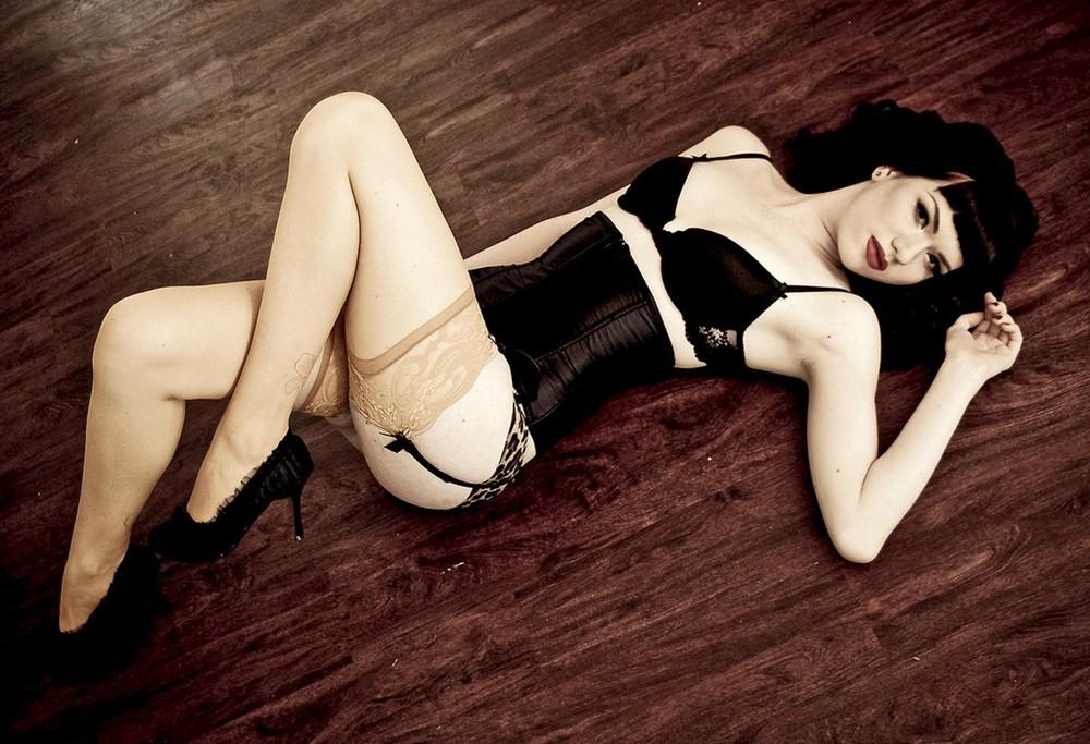 Бетти Пейдж Американская фотомодель Бетти Пейдж является секс-символом 50-х годов прошлого века. Сни