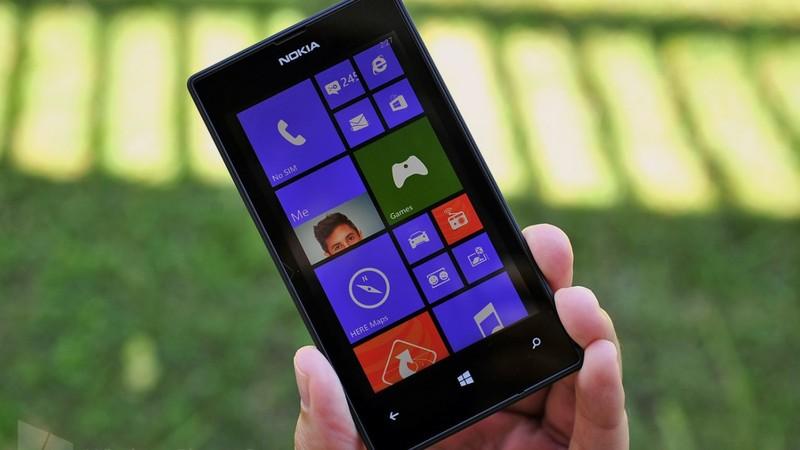 2013 год: базовая модель Nokia Lumia 520 была представлена на выставке Mobile World Congress в 2013