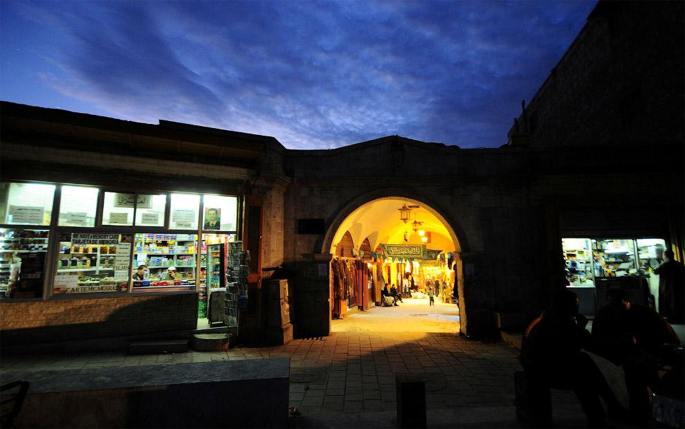 7. Старый город Алеппо — исторический центр города. Многие районы не изменились со времён их построй