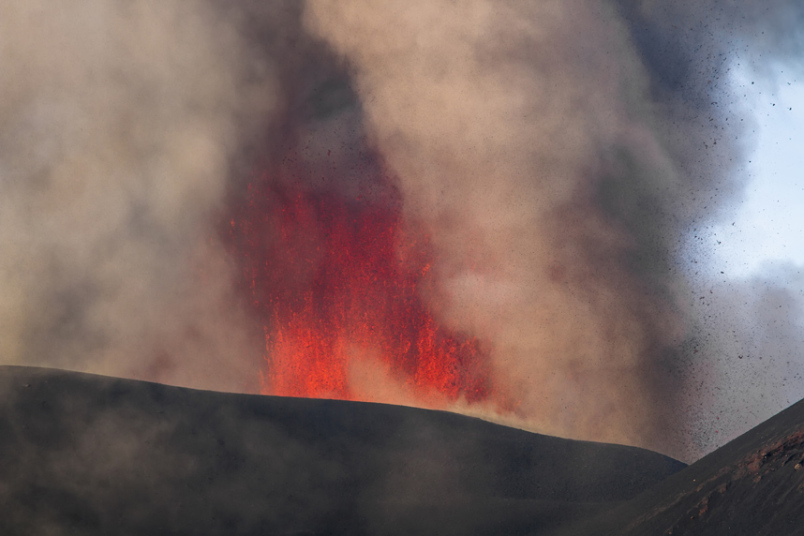 За последние 20 лет это самое мощное извержение вулкана.