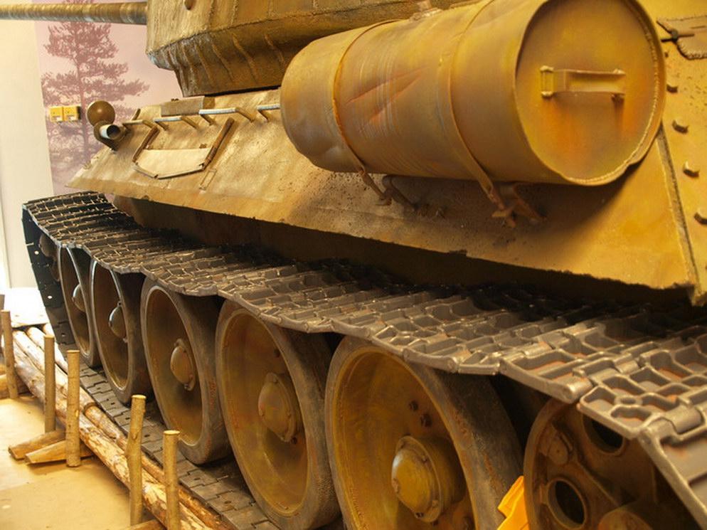 — В основу проекта взяли чертежи уральского завода, с их помощью создавались 3D-модели танка,