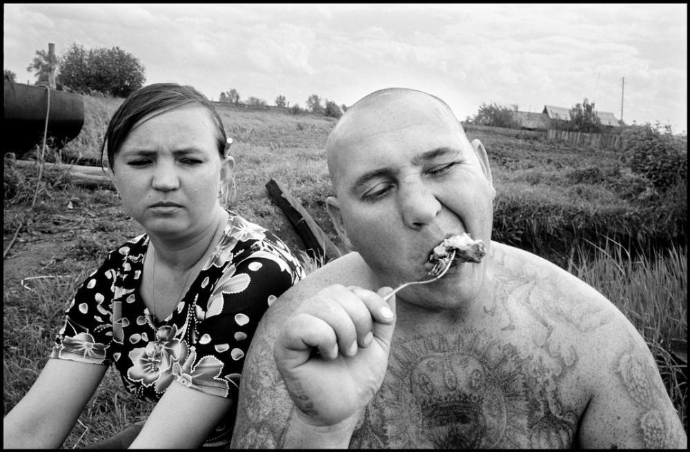 Брюс назвал свою серию фотографий «Пикник с Сергеем». Кадры, сделанные во время пикника, — его любим