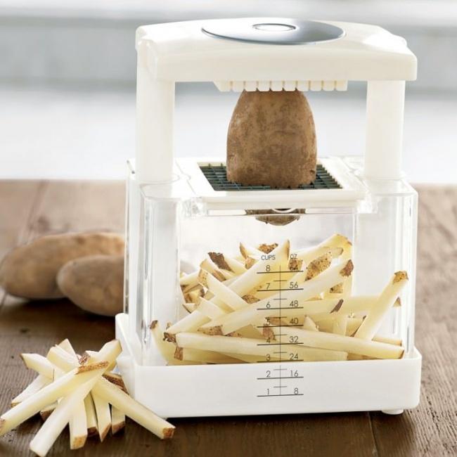 © WilliamsSonoma  Этот чоппер рад поработать завас. Просто положите картошку инажмите. Лезви