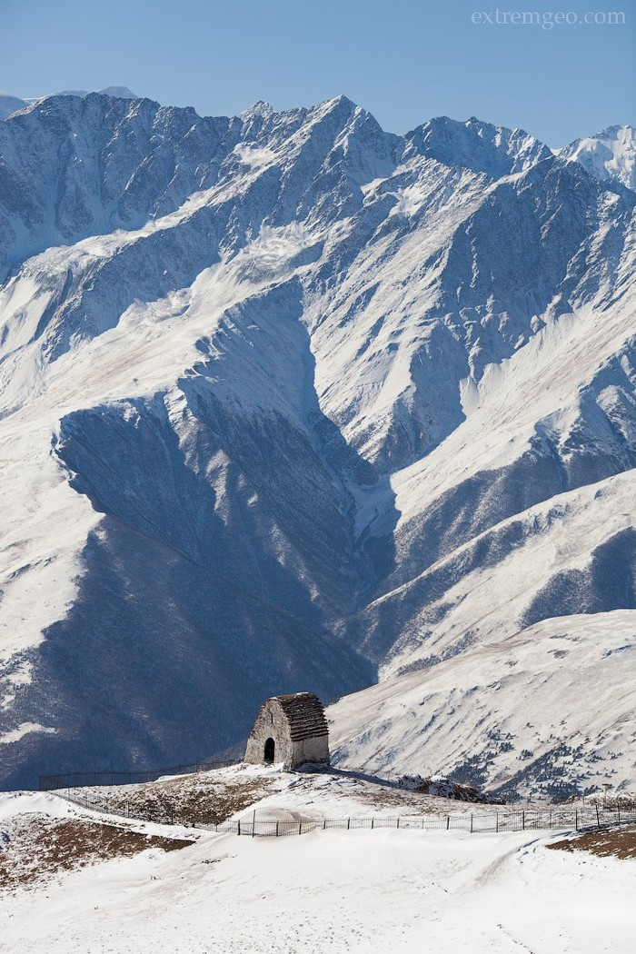 5. Храм-святилище Мят-Сели, его возраст больше 1000 лет. Старейшины проводили здесь сборы и приносил