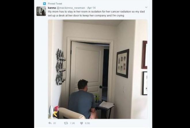14 апреля 17-летняя Маккена Ньюман выложила фото своего отца Джона, сидящего возле спальни своей жен