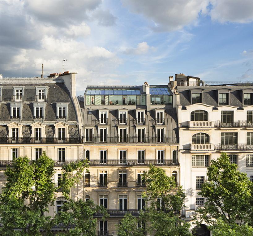 Квартиры на крыше здания 19-го века в Париже