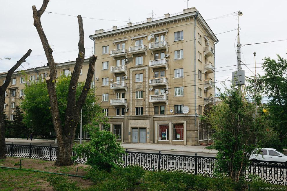 10. Чугунные балконы на Московской улице.