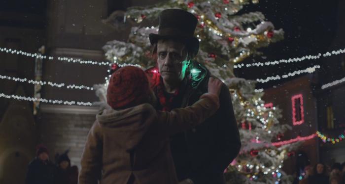 Apple представили трогательный рождественский ролик