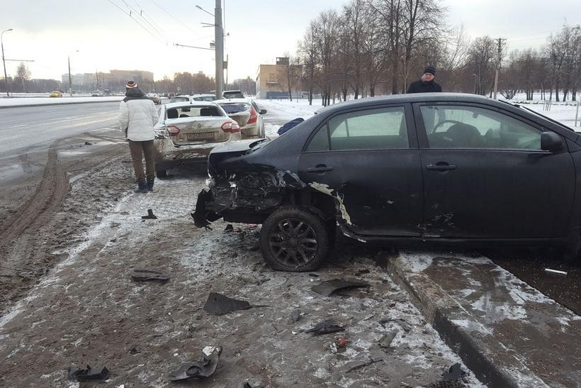 Детей госпитализировали вертолетом после крупного ДТП в российской столице