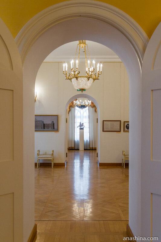 Анфилада залов первого этажа, Петровский путевой дворец