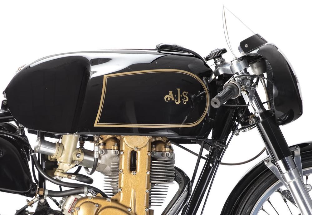 Старинный мотоцикл AJS 7R –  Boy Racer