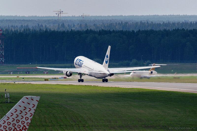 Boeing 767-224/ER (VP-BAL) ЮТэйр D805392