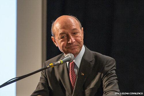 Траян Бэсеску считает, что президент Игорь Додон его боится