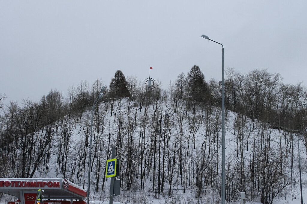 Памятник на горе Вышка.