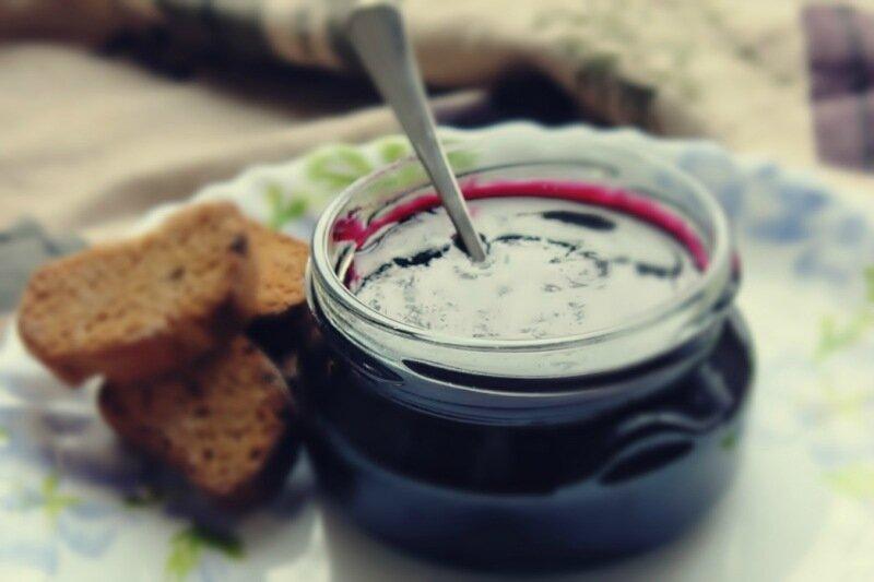 Варенье из черной смородины (пятиминутка)