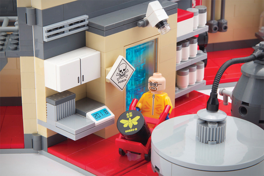 6. Breaking Bad Несмотря на то, что сериал уже закончился, лаборатория известных «химиков» по-прежне