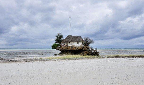 2. The Rock (Занзибар, Танзания) Теперь вы знаете, как выглядит самый настоящий рок.